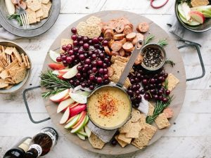 fruits-crackers-wine-party